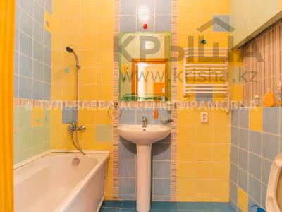 5-комнатная квартира, 200 м², 3/10 этаж, Кунаева 34 — Акмешит за 62 млн 〒 в Нур-Султане (Астана), Есиль р-н — фото 17