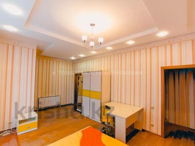 5-комнатная квартира, 200 м², 3/10 этаж, Кунаева 34 — Акмешит за 62 млн 〒 в Нур-Султане (Астана), Есиль р-н — фото 24