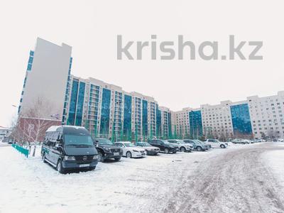 5-комнатная квартира, 200 м², 3/10 этаж, Кунаева 34 — Акмешит за 62 млн 〒 в Нур-Султане (Астана), Есиль р-н — фото 27