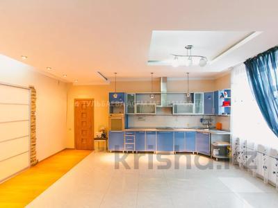 5-комнатная квартира, 200 м², 3/10 этаж, Кунаева 34 — Акмешит за 62 млн 〒 в Нур-Султане (Астана), Есиль р-н — фото 11