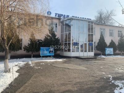 Здание, площадью 930.1 м², Жарылкапов 134 — Нышанов за 350 млн 〒 в Туркестане — фото 4