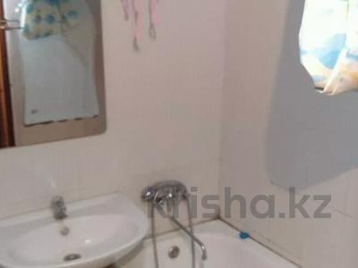 1-комнатная квартира, 30 м², 1/5 этаж, Карасай батыра 24 за 4.5 млн 〒 в Актобе, Старый город