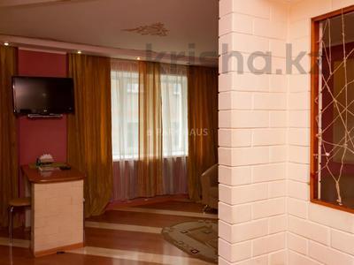 1-комнатная квартира, 48 м², 3/5 этаж посуточно, Интернациональная 77 — Москва за 7 500 〒 в Петропавловске — фото 8