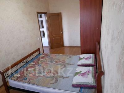 2-комнатная квартира, 72 м², 3/10 этаж помесячно, Байтурсынова — Мадели кожа за 160 000 〒 в Шымкенте, Аль-Фарабийский р-н — фото 3