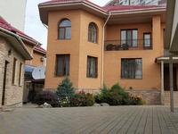 7-комнатный дом, 450 м², 10 сот.