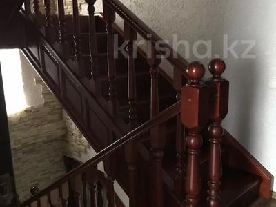 8-комнатный дом, 276.3 м², 12 сот., Мичуринское 227 за 70 млн 〒 в Уральске — фото 15
