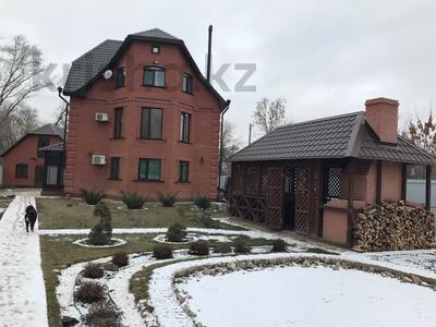 8-комнатный дом, 276.3 м², 12 сот., Мичуринское 227 за 70 млн 〒 в Уральске