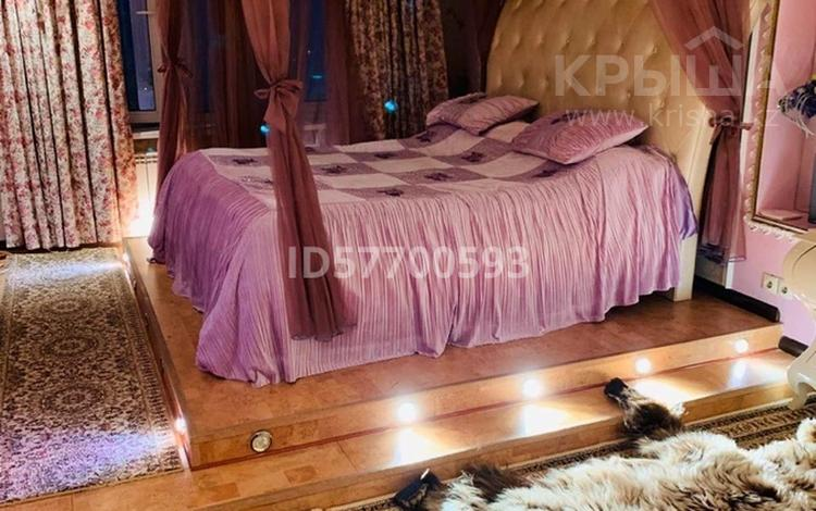 4-комнатная квартира, 160 м², 17/36 этаж, Кабанбай батыра 11 за 60 млн 〒 в Нур-Султане (Астана), Есиль р-н