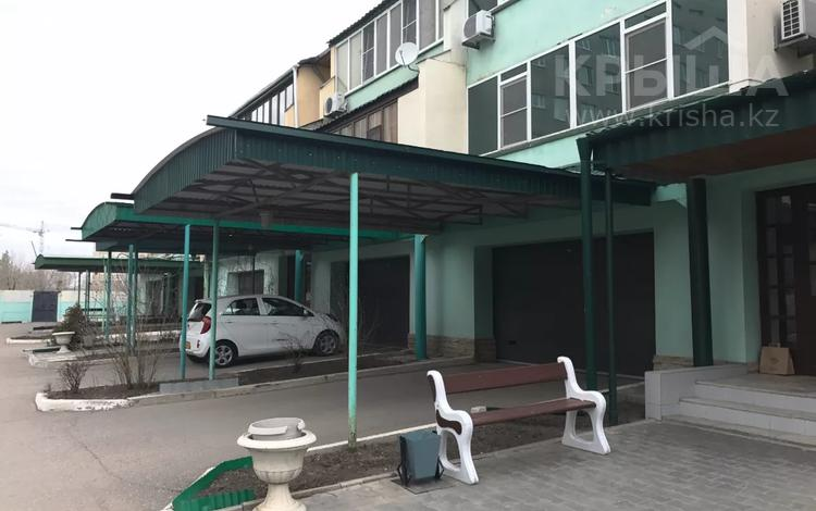 5-комнатная квартира, 257 м², Алии Молдагуловой 49/1 за 69 млн 〒 в Актобе, мкр 8