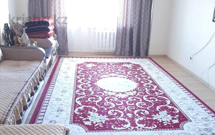 2-комнатная квартира, 73.4 м², 7/16 этаж, Кенесары за 24.3 млн 〒 в Нур-Султане (Астана), р-н Байконур