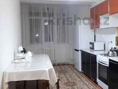 2-комнатная квартира, 70 м², 6/9 этаж помесячно, Капал 2 — Абая за 220 000 〒 в Таразе — фото 22