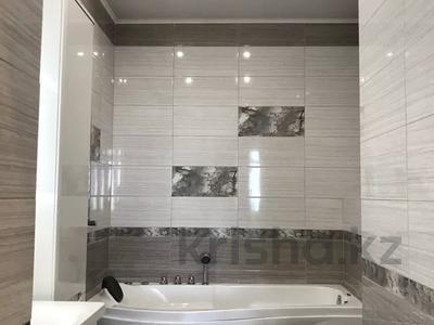 2-комнатная квартира, 80 м², 22 этаж, Достык 97б за 56 млн 〒 в Алматы, Медеуский р-н — фото 3