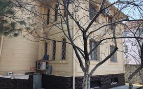 6-комнатный дом помесячно, 300 м², 10 сот., мкр Дубок-2, Шаляпина — Момышулы за 800 000 〒 в Алматы, Ауэзовский р-н