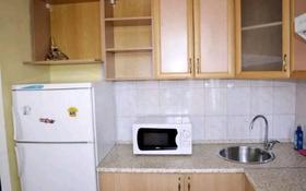 1-комнатная квартира, 60 м², 10/9 этаж посуточно, Сауран 5г — Алматы за 5 000 〒 в Нур-Султане (Астана), Есиль р-н