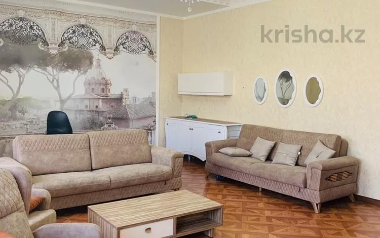 5-комнатный дом, 285 м², 8 сот., Шапагат-2 66 за 70 млн 〒 в Шымкенте, Енбекшинский р-н