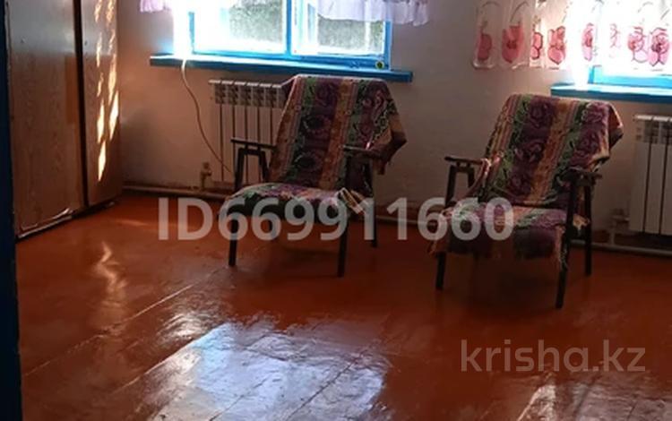 2-комнатная квартира, 86 м², 2/2 этаж, Балуана-Шолака 23 за 7.5 млн 〒 в Талгаре