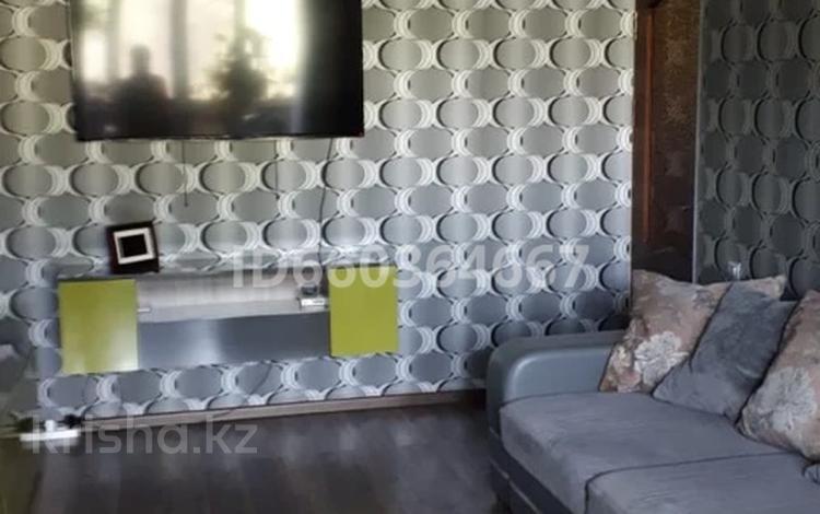 2-комнатная квартира, 53 м², 3/5 этаж, 8 микрорайон 20 за 16 млн 〒 в Таразе