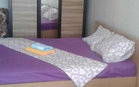 1-комнатная квартира, 42 м², 4/7 этаж посуточно, Космос ДСК Кунжут за 7 000 〒 в Актобе, Новый город