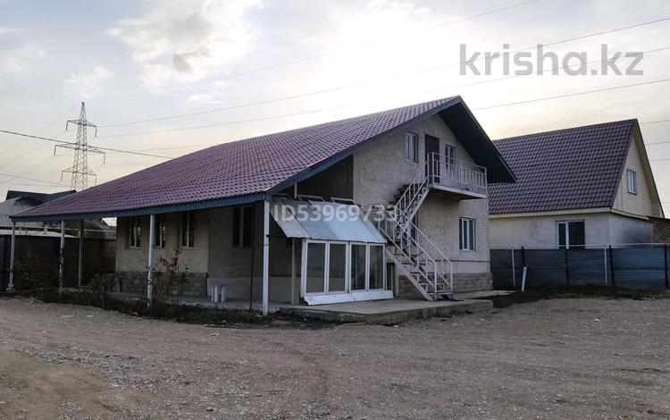 5-комнатный дом помесячно, 130 м², 10 сот., мкр Улжан-2, Байсеитова 42 за 159 999 〒 в Алматы, Алатауский р-н