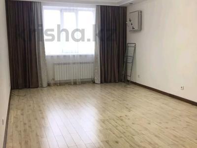 3-комнатная квартира, 90 м², 6/9 этаж помесячно, Момышулы 2/6 за 200 000 〒 в Нур-Султане (Астана), Алматинский р-н — фото 8
