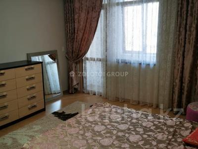 3-комнатная квартира, 100 м² помесячно, проспект Рахимжана Кошкарбаева 10 за 300 000 〒 в Нур-Султане (Астана) — фото 6