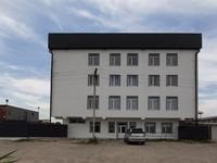Здание, площадью 1310 м²