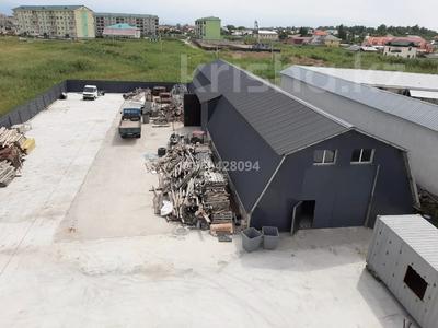 Здание, площадью 1310 м², Участок Промбаза 214 за 300 млн 〒 в  — фото 2