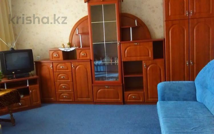 2-комнатная квартира, 52 м², 4/10 этаж помесячно, Машхур Жусупа 86 за 80 000 〒 в Экибастузе