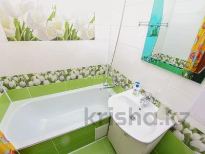 1-комнатная квартира, 35 м², 2/5 этаж по часам, Букетова 30 за 2 500 〒 в Петропавловске — фото 9