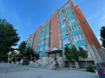 3-комнатная квартира, 128.5 м², 4/8 этаж, мкр. Батыс-2, проспект Санкибай Батыра за 35.5 млн 〒 в Актобе, мкр. Батыс-2