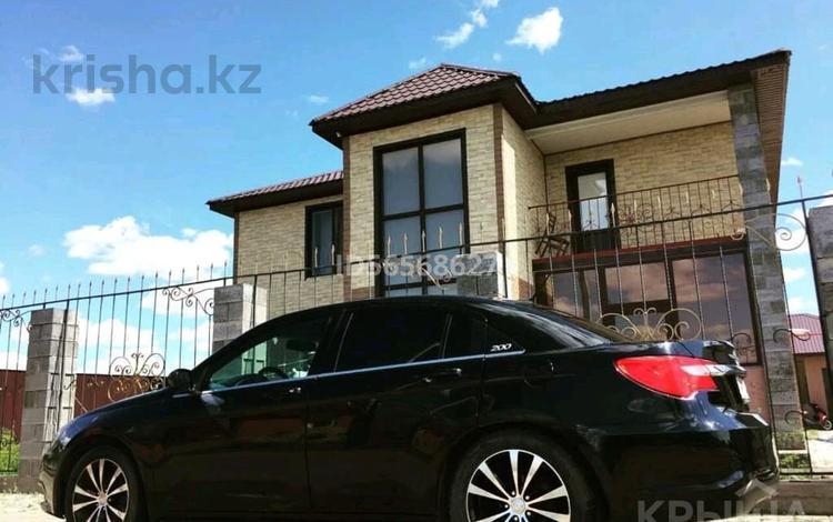 6-комнатный дом, 280 м², 10 сот., С/К Техник 151 за 35 млн 〒 в Актобе