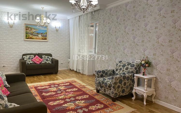 3-комнатная квартира, 83 м², 2/10 этаж, мкр Каргалы, Кенесары хана за 44.5 млн 〒 в Алматы, Наурызбайский р-н