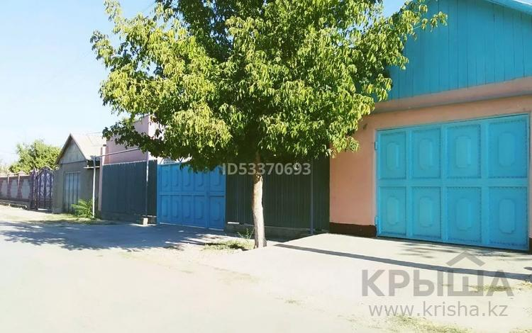 6-комнатный дом, 100 м², 10 сот., Атакент улица Ботабекова 54 за 17 млн 〒