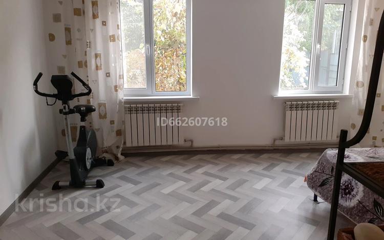 2-комнатный дом, 38 м², 11 сот., мкр Алатау (ИЯФ) 355 — Жагалау за 14 млн 〒 в Алматы, Медеуский р-н