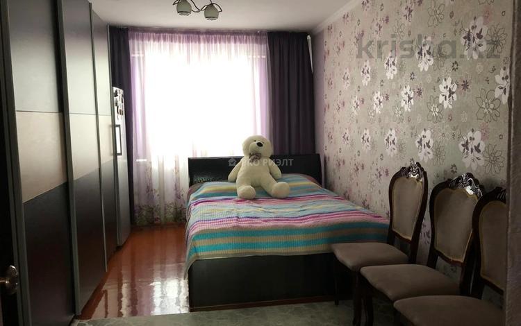3-комнатная квартира, 63 м², 5/5 этаж, Мкр Каратау 30 за 9.8 млн 〒 в Таразе