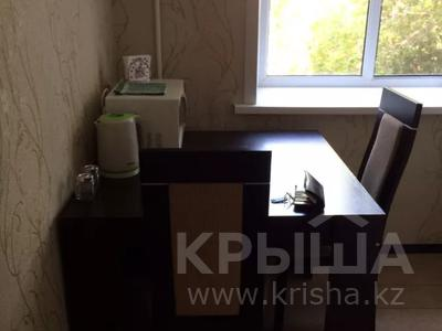 1-комнатная квартира, 36 м², 4/5 этаж по часам, Павлова 11 за 1 000 〒 в Павлодаре — фото 6