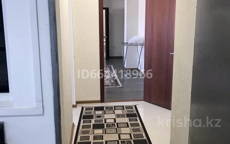 2-комнатная квартира, 80 м², 2/2 этаж помесячно, Абая 169 за 85 000 〒 в Талдыкоргане