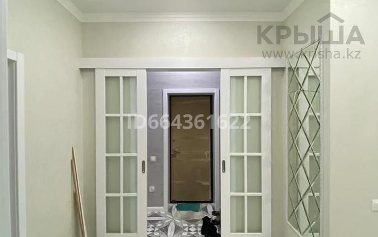 3-комнатная квартира, 87 м², 8/10 этаж, мкр Юго-Восток, Степной 3 1/4 за 49.5 млн 〒 в Караганде, Казыбек би р-н