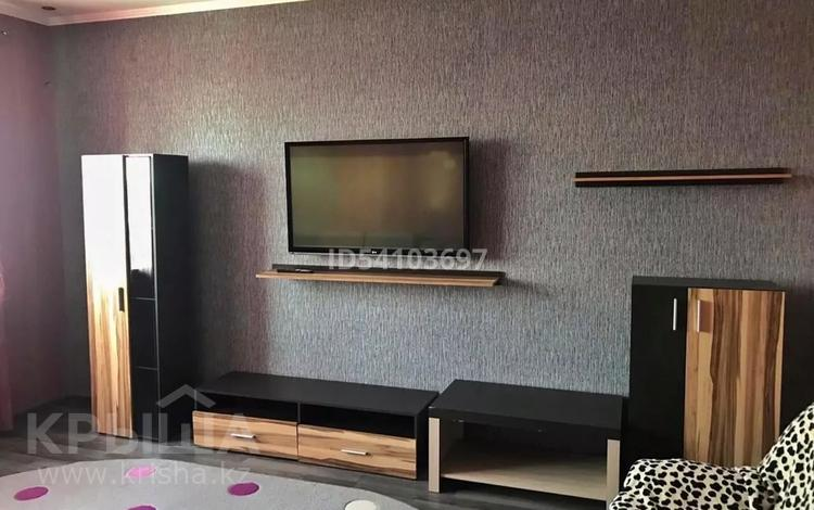1-комнатная квартира, 54 м², 5/8 этаж, Санкибай батыра 28В за 14 млн 〒 в Актобе