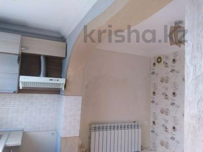3-комнатная квартира, 60 м², 5/5 этаж, 16мкр 6 — Рыскулова-ЖибекЖолы за 13.5 млн 〒 в Шымкенте, Енбекшинский р-н — фото 6