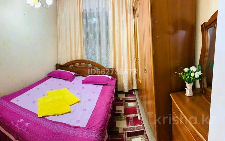 1-комнатная квартира, 40 м², 5/5 этаж посуточно, Мынбулак 55 за 4 500 〒 в Таразе