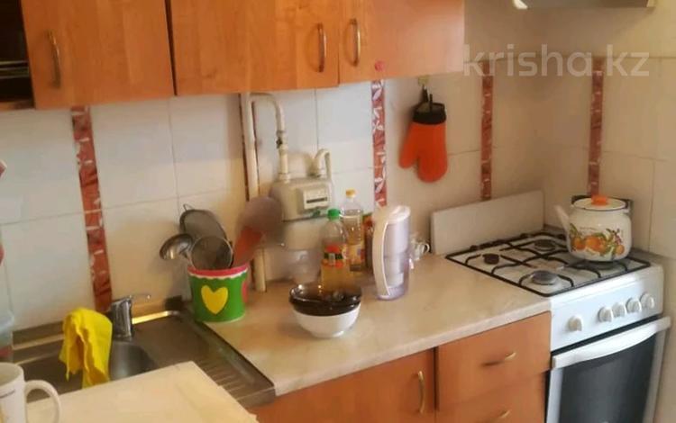 2-комнатная квартира, 54 м², 4/5 этаж, Ниеткалиева за 9.9 млн 〒 в Таразе