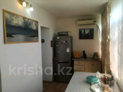 2-комнатная квартира, 54 м², 4/5 этаж, Ниеткалиева за 9.9 млн 〒 в Таразе — фото 2