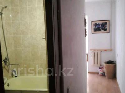 2-комнатная квартира, 54 м², 4/5 этаж, Ниеткалиева за 9.9 млн 〒 в Таразе — фото 4