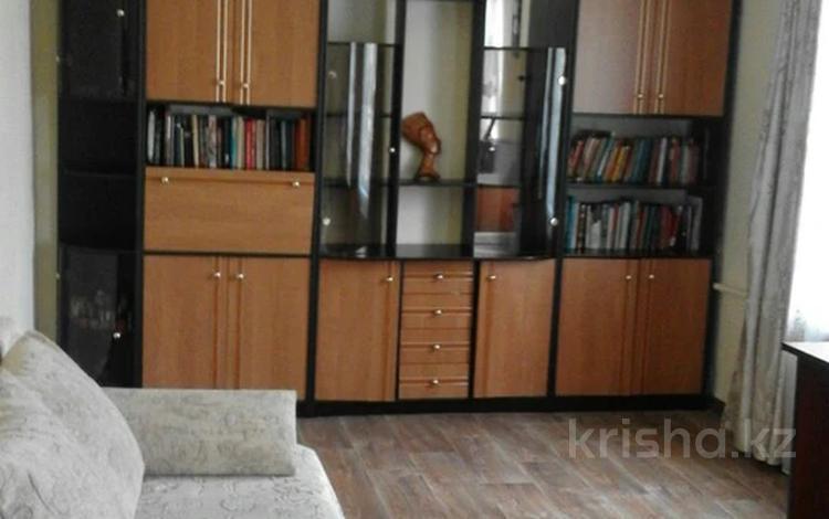 3-комнатная квартира, 60 м², 4/4 этаж, мкр №12, Мкр №12 за 17.8 млн 〒 в Алматы, Ауэзовский р-н