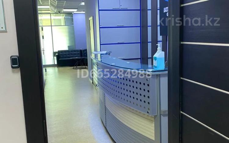 Офис площадью 244 м², проспект Сакена Сейфуллина 498 — Богенбай Батыра за ~ 184.2 млн 〒 в Алматы, Алмалинский р-н