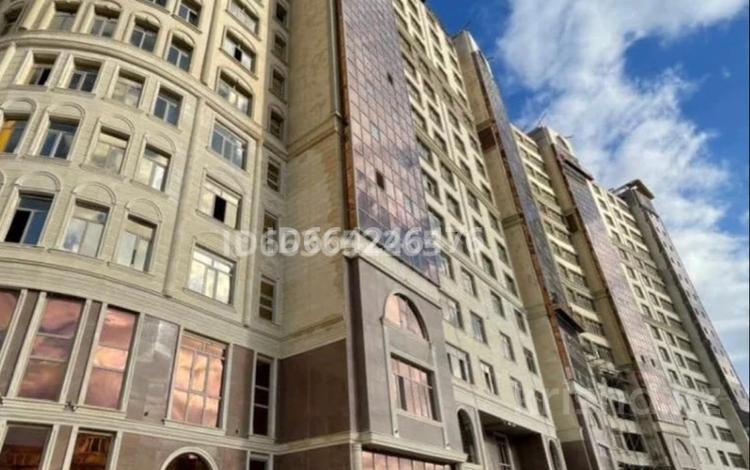 5-комнатная квартира, 173 м², 4/17 этаж, 17-й мкр 31 за 40 млн 〒 в Актау, 17-й мкр