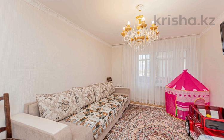 3-комнатная квартира, 56 м², 5/5 этаж, Жумабека Ташенова 2/3 за 15.3 млн 〒 в Нур-Султане (Астана), р-н Байконур