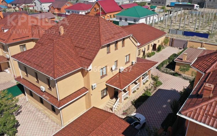 10-комнатный дом, 294.8 м², 10 сот., мкр Мунайшы за 99 млн 〒 в Атырау, мкр Мунайшы