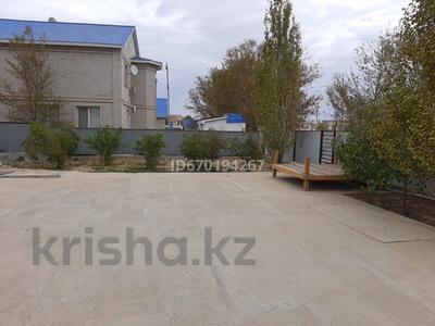 4-комнатный дом, 200 м², 3 мкр, ул. Избасов Ш 22 за 45 млн 〒 в Кульсары